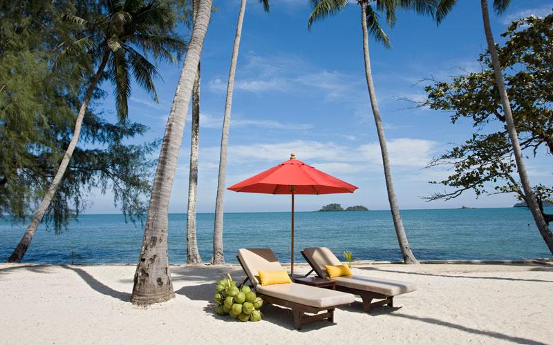 Фото пляжа напротив отеля Эмеральд на Ко Чанге