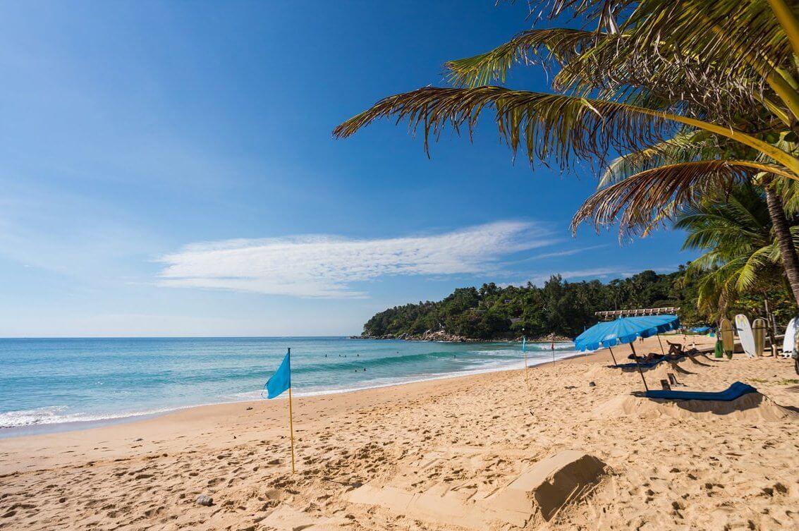 фото пляжа карон плюсы