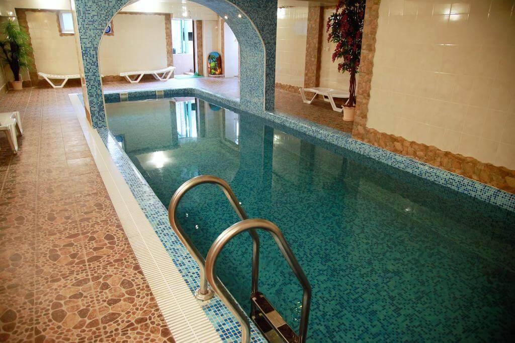 Фото бассейна в гостинице «Иордан»