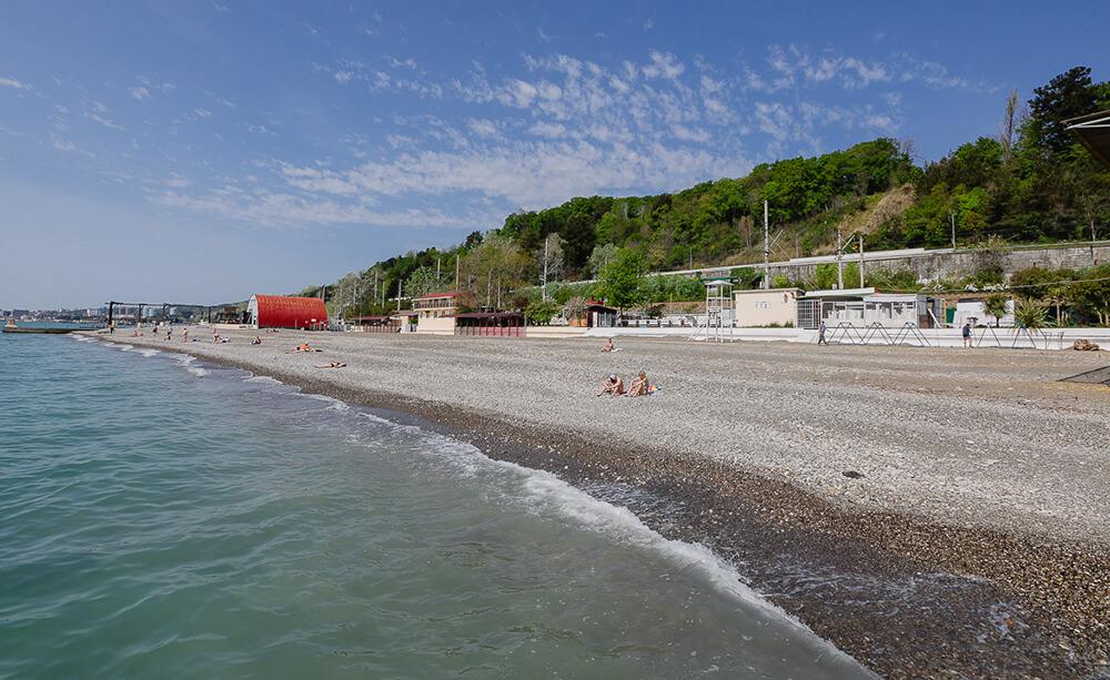 Фото пляжа пансионата Кристалл в Хосте
