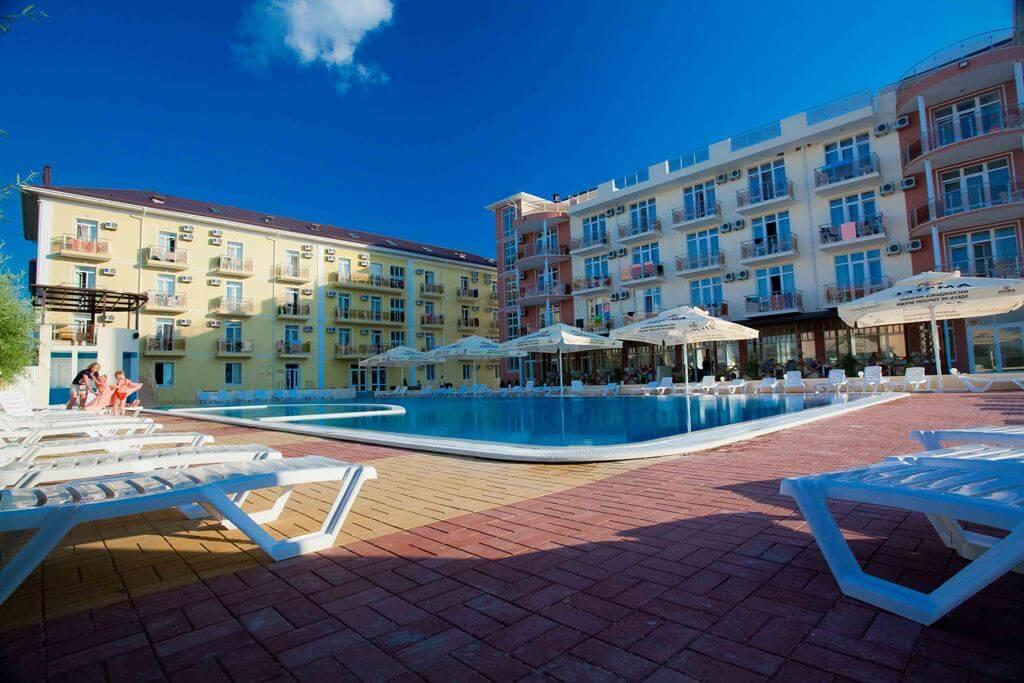 Venera Resort - отель в Витязево, у которого есть свой пляж