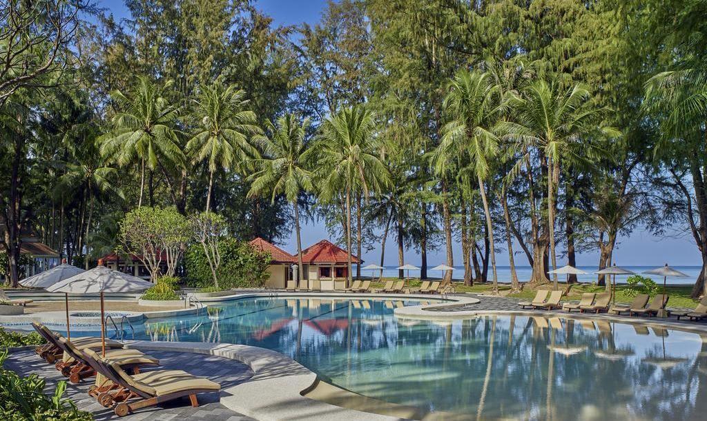 Фото резорта Dusit Thani Laguna на пляже Банг Тао