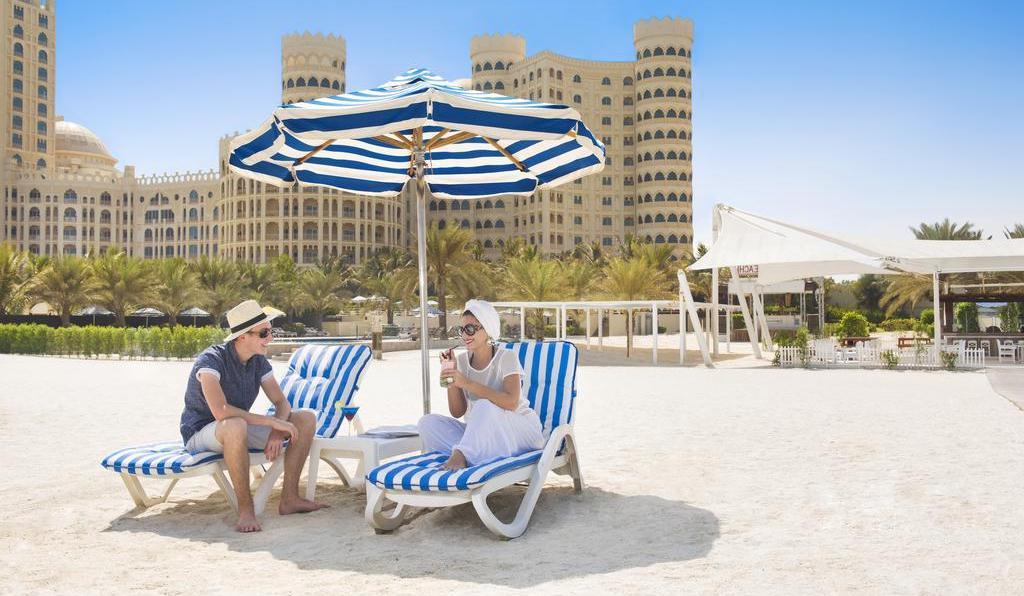 Фото пляжа отеля Al Hamra Residence & Village