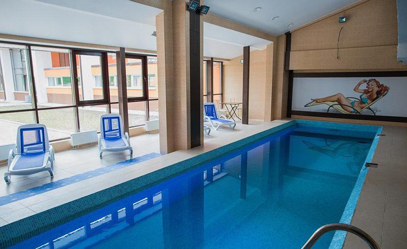 Фотография бассейна в гостинице Michur Inn