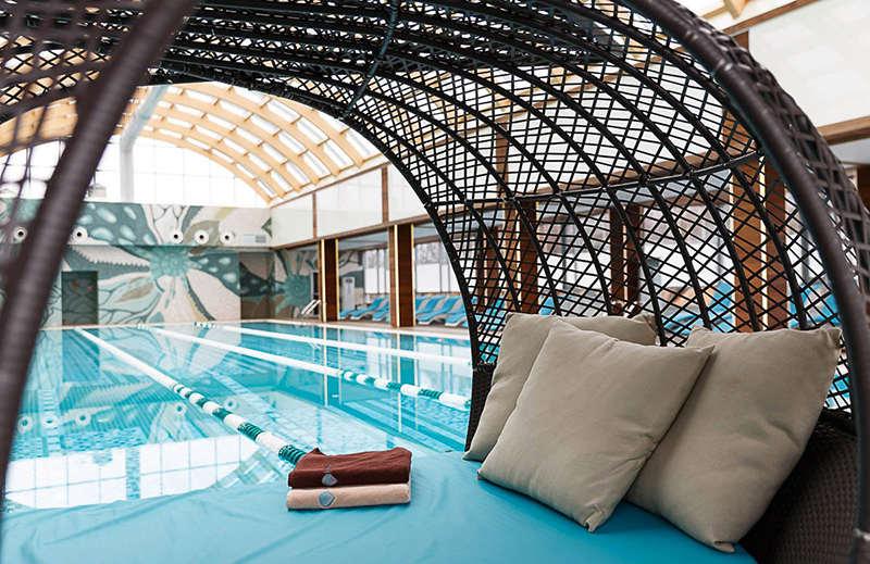Крытый бассейн в «Золотой Ручей»