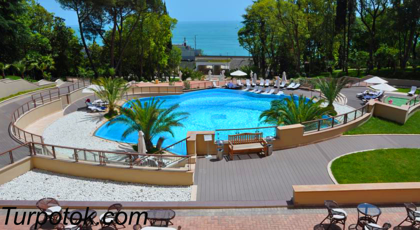 Фото отеля Swissotel Resort Сочи Камелия. Вторая позиция в рейтинге отелей Сочи для отдыха с детьми