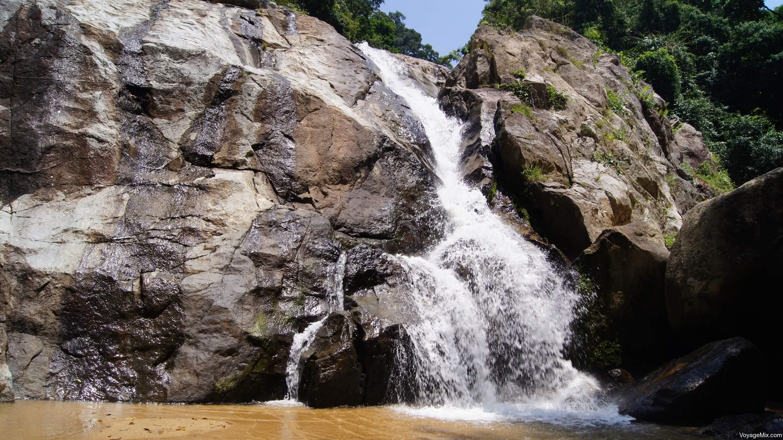 Развлечения для детей на Самуи, фото водопада Хин Лад (Hin Lad или Hin Lat)