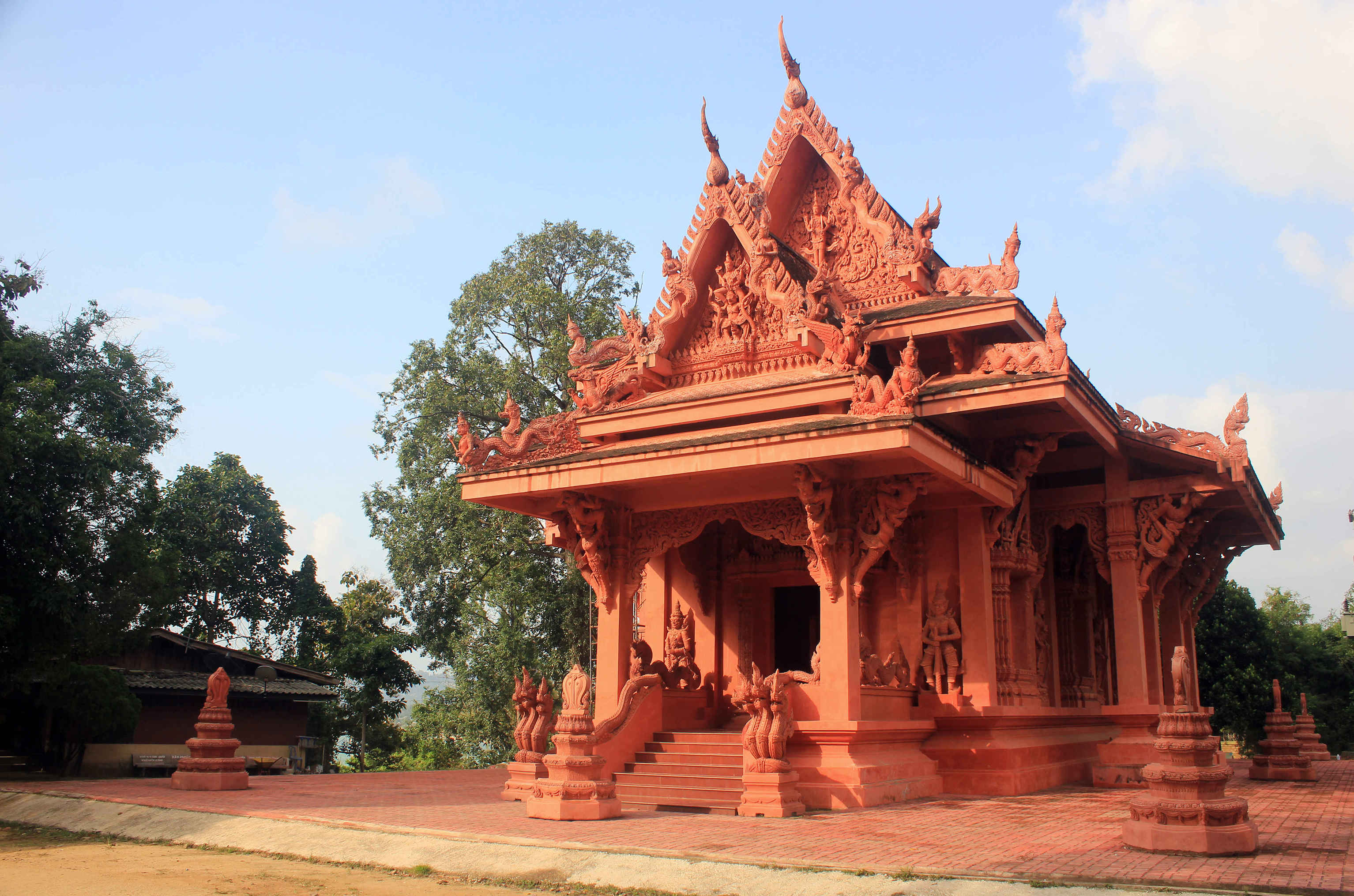 Развлечения для детей на Самуи, фото храма Сила Нгу (Wat Sila Ngu)