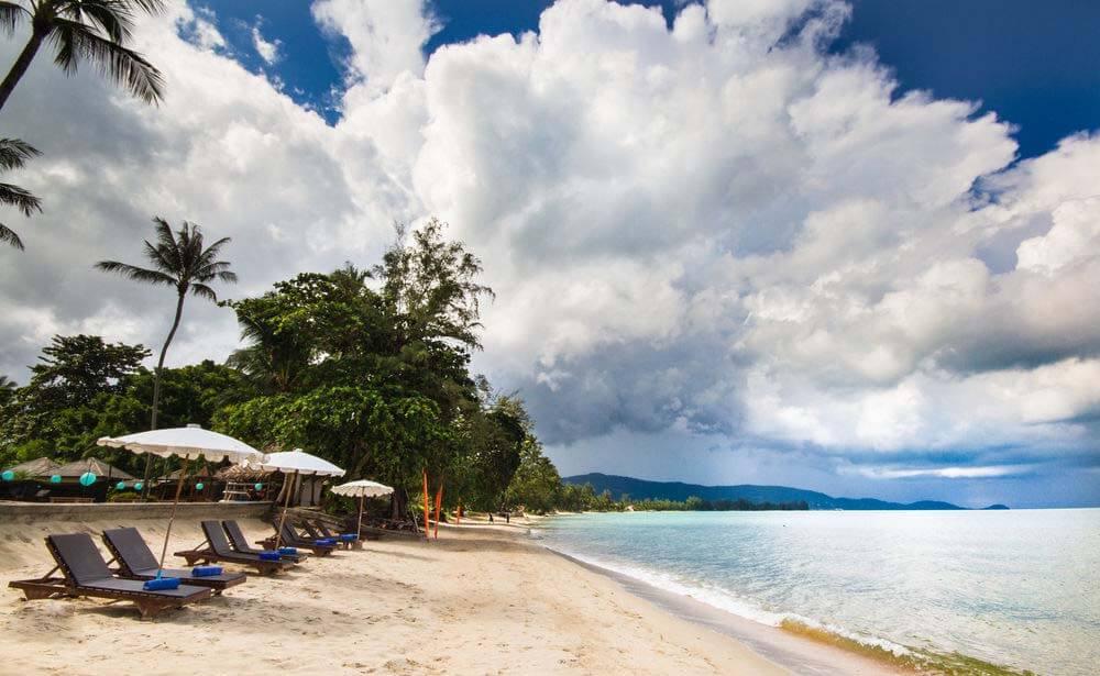 Фото пляжа Липа Ной напротив отеля The Lipa Lovely Beach Resort