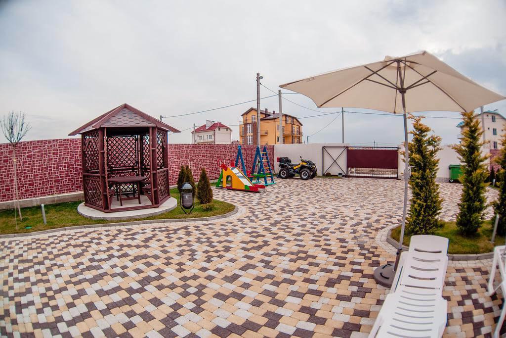 Фото гостевого дома Beau Soleil в Анапе для статьи «Анапа. Гостевой дом с бассейном: недорого и удобно»
