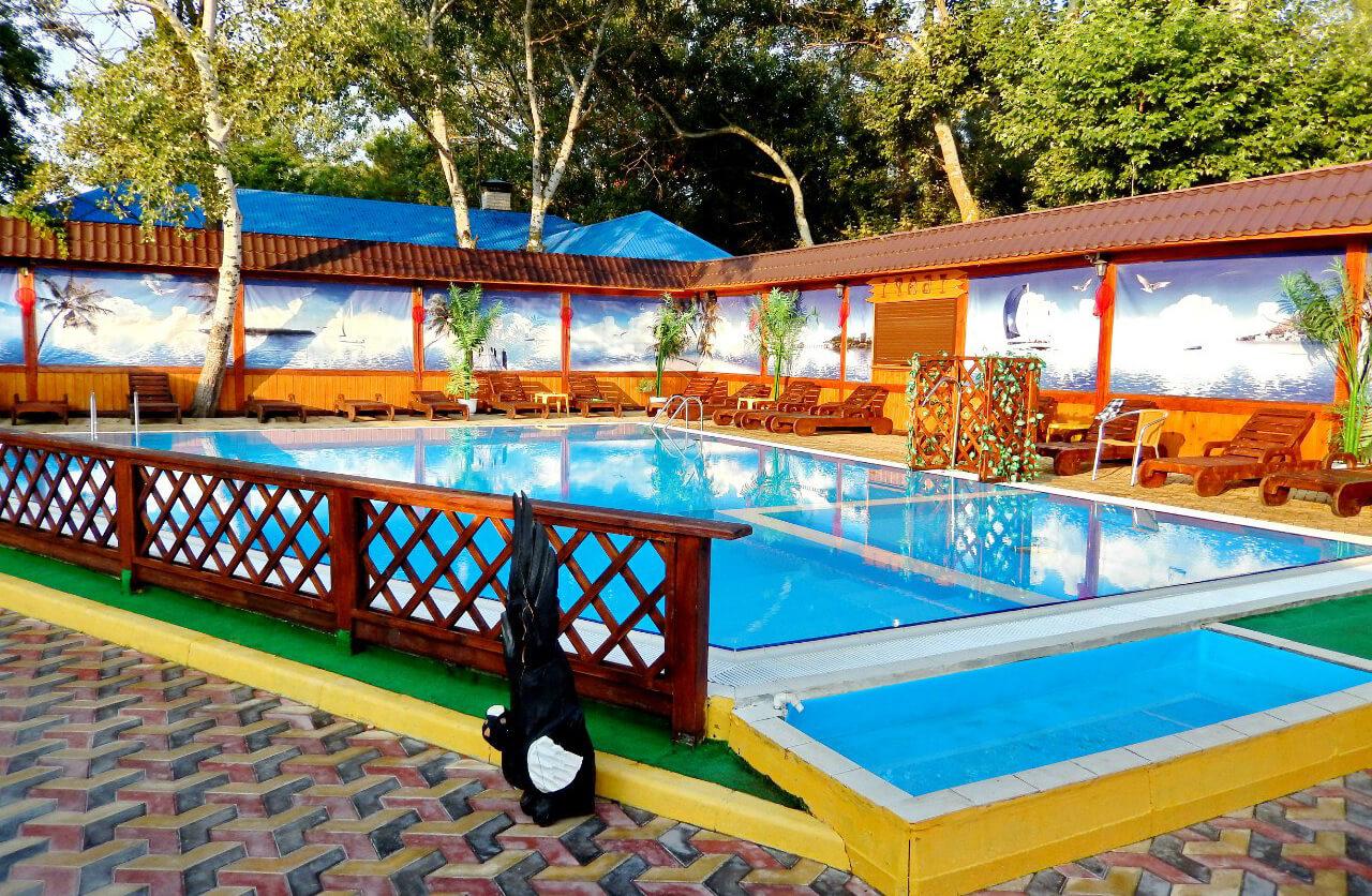 Фото отеля Хуторок Resort (Джемете). Иллюстрация к разделу «Отели Джемете с собственным пляжем на первой линии»
