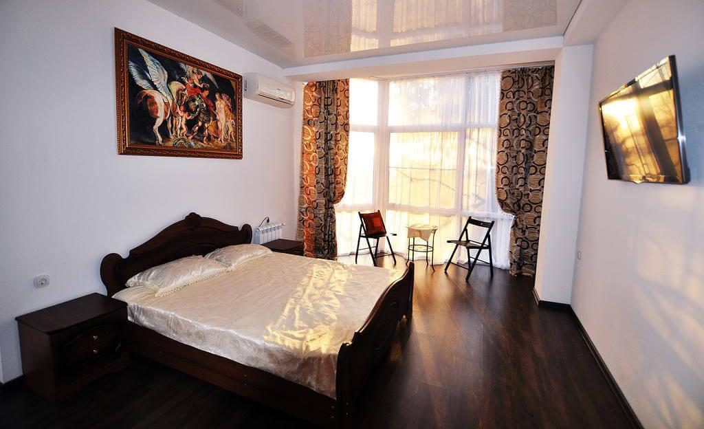 Фото гостевого дома VIP House в г. Сочи. Иллюстрация к статье «Гостевые дома Сочи рядом с морем»