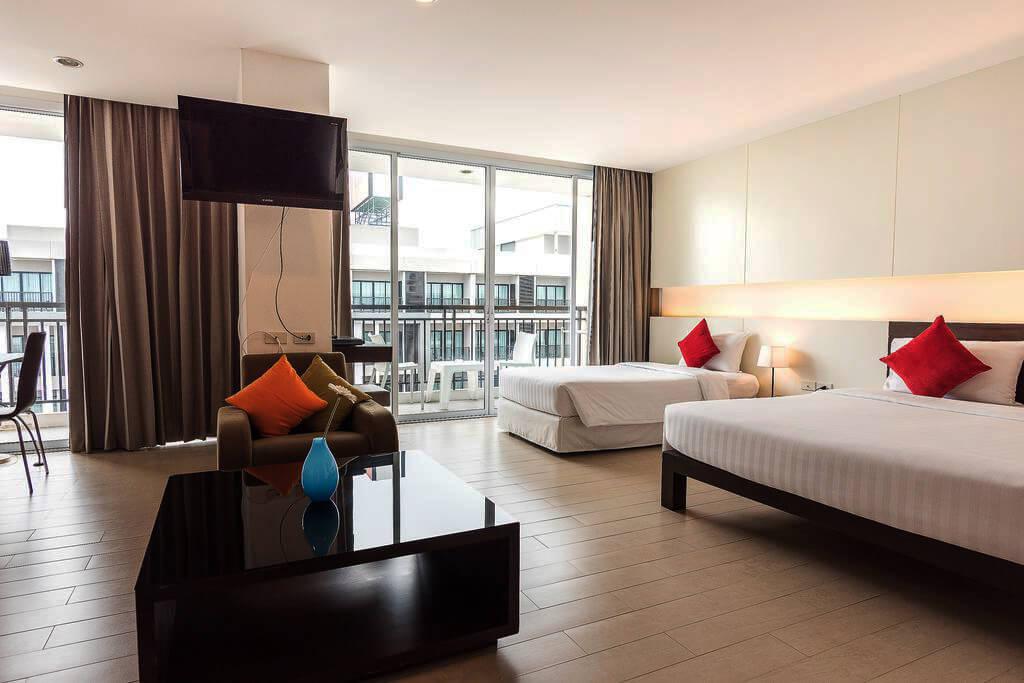 Отель J Pattaya - один из лучших в Паттайе для проживания с маленьким ребенком