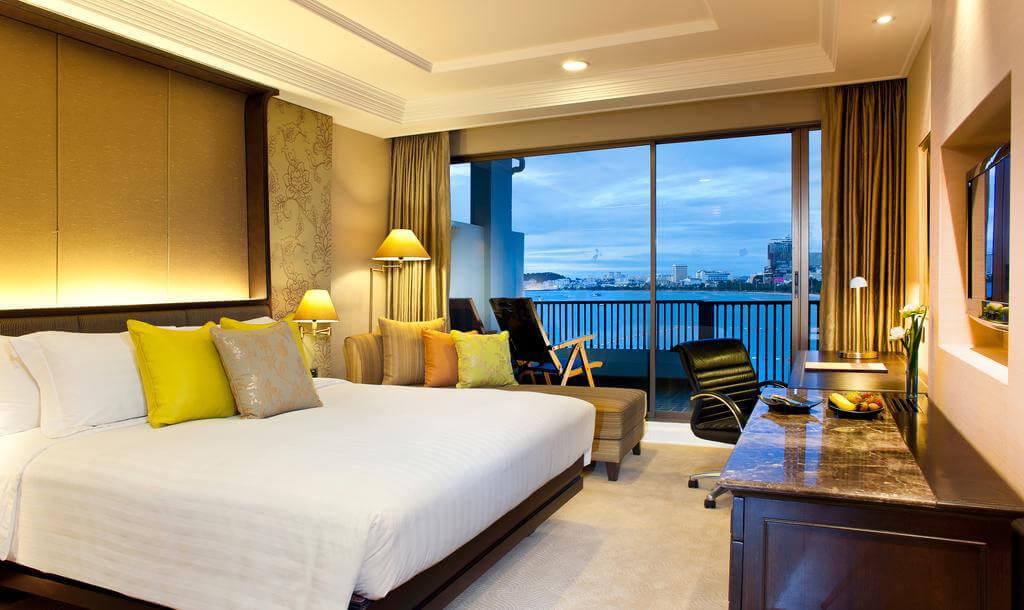 Фото отеля Dusit Thani в Паттайе