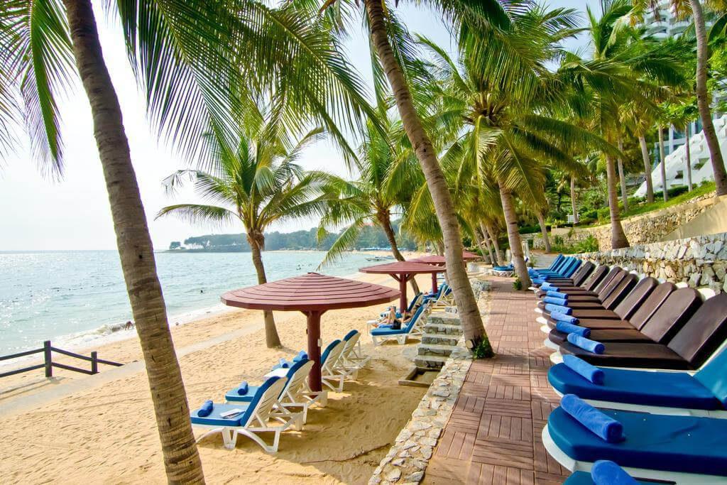 Фото пляжа у отеля Royal Cliff Beach Terrace