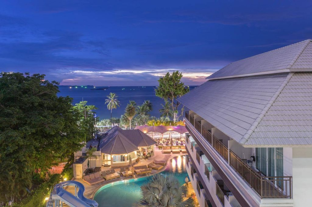 Pattaya Discovery Beach Hotel4