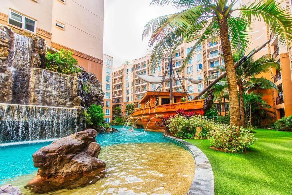 Фотографии бассейна в отеле Atlantis Condo Pattaya