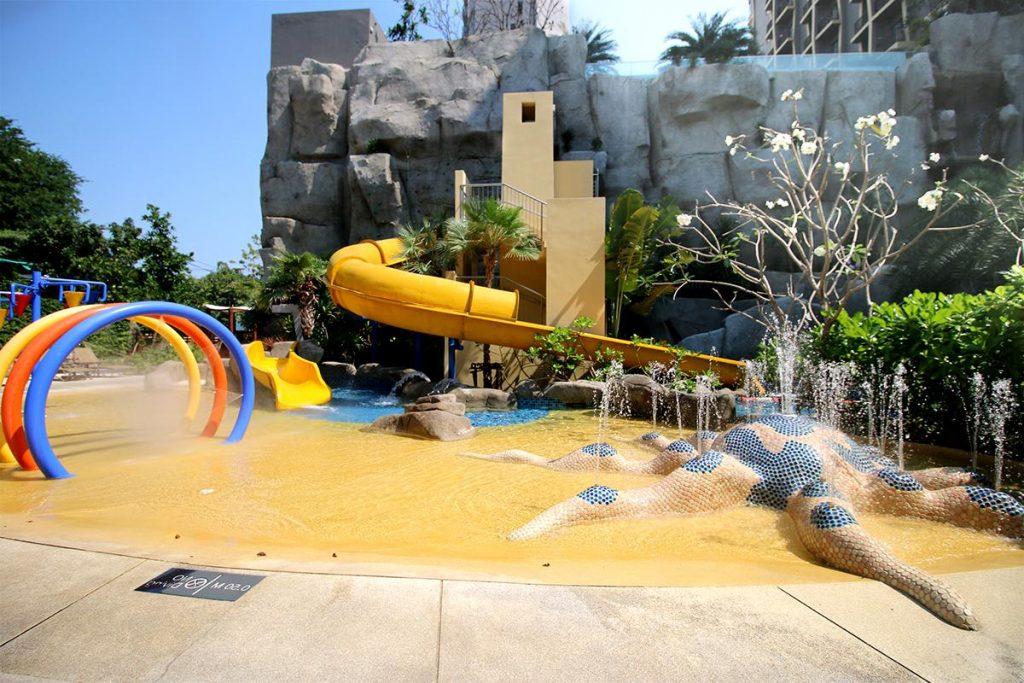 Фото детской горки в отеле Mercure Ocean Resort в Паттайе