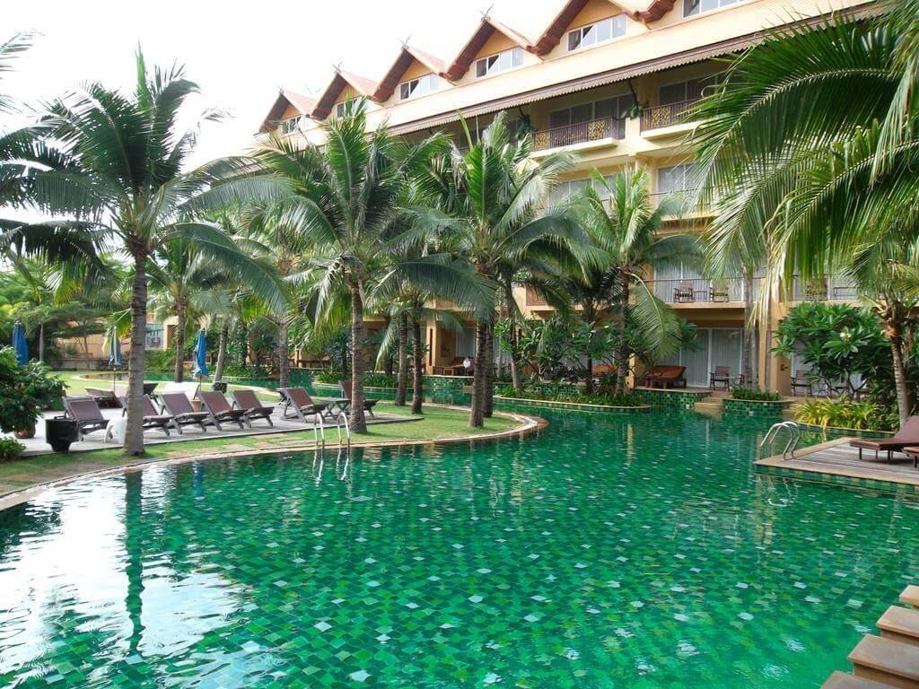 Фотографии бассейна в отеле Villa Thongbura Pattaya