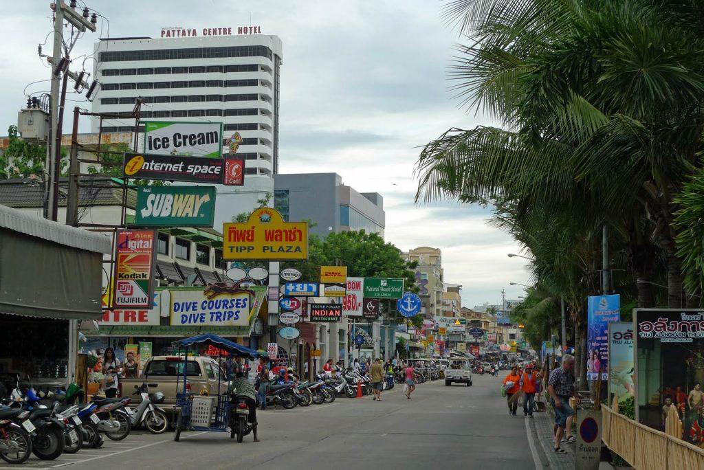 Фото пляжной улицы Паттайи