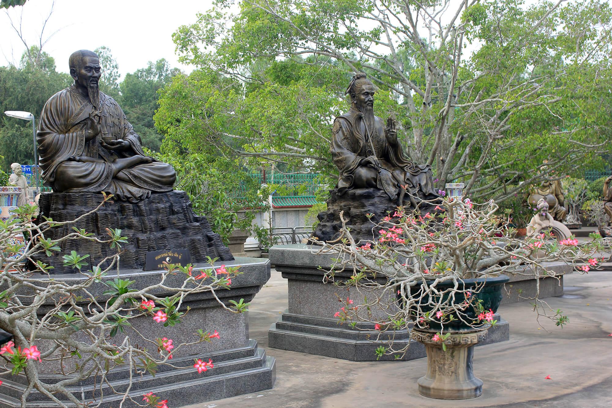 Фото китайского храма в Паттайе