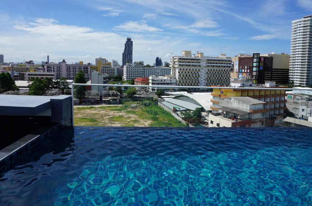 247 Фото Boutique Hotel - отель в Паттайе, у которого есть бассейн на крыше