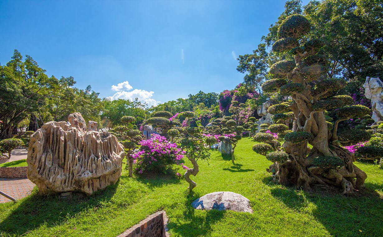 Фото парка с миллионлетними камнями в Паттайе