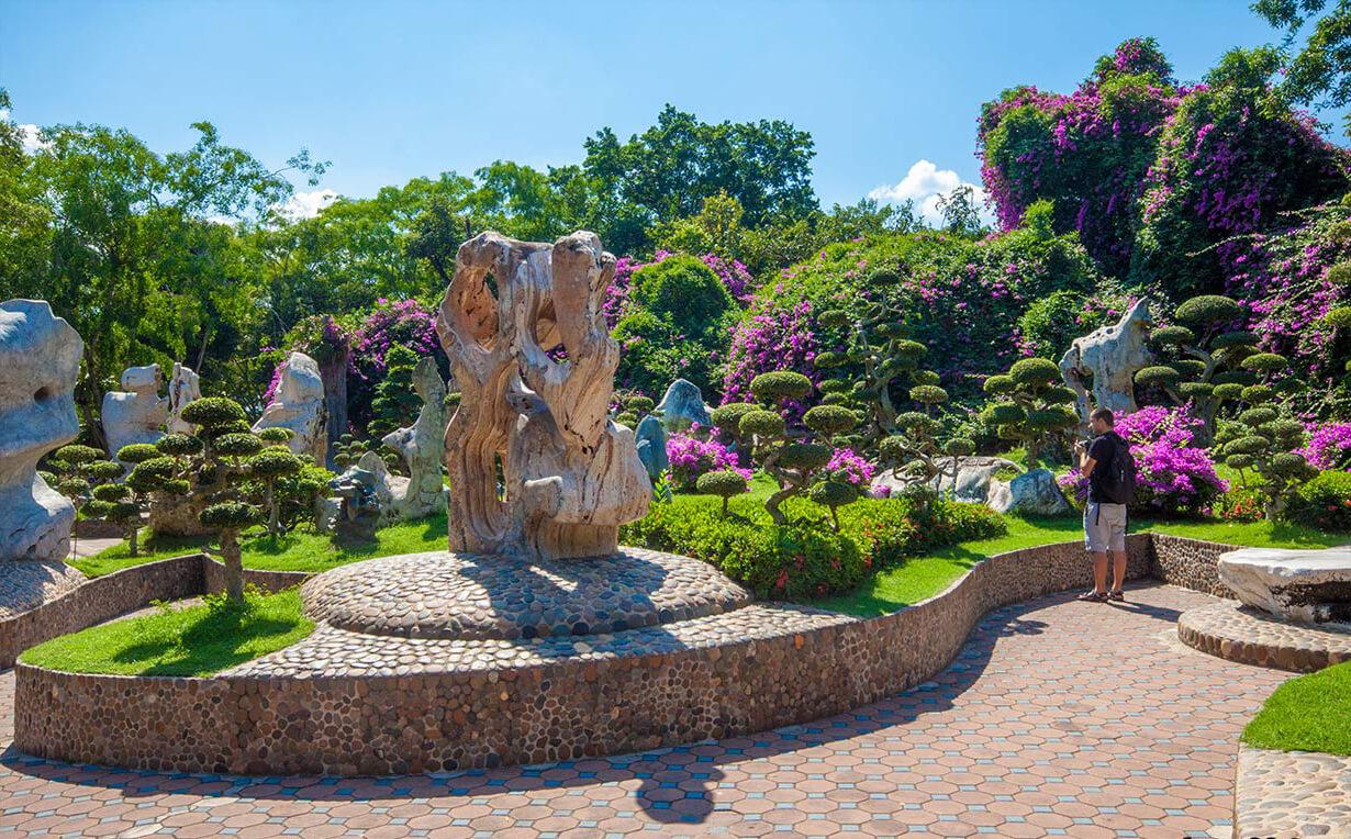 Фото парка миллионлетних камней в Паттайе