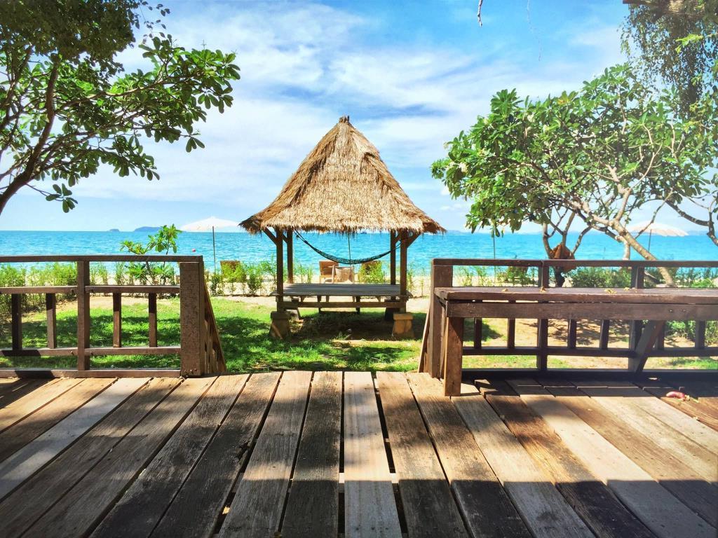 Пляж Ao Noi Na на острове Самет