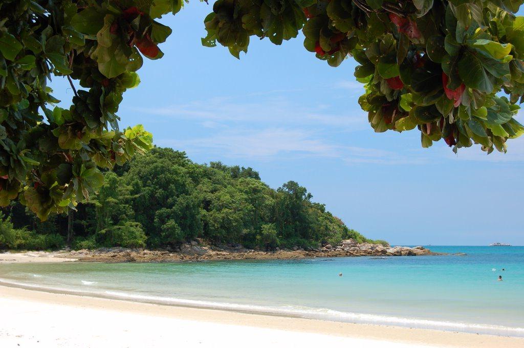 пляж Ao Tubtim (или Ao Phutsa) на острове Самет