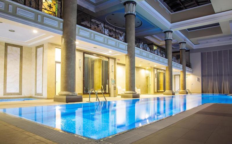 Фото закрытого бассейна с теплой водой в санатории «Авангард» (г. Сочи)