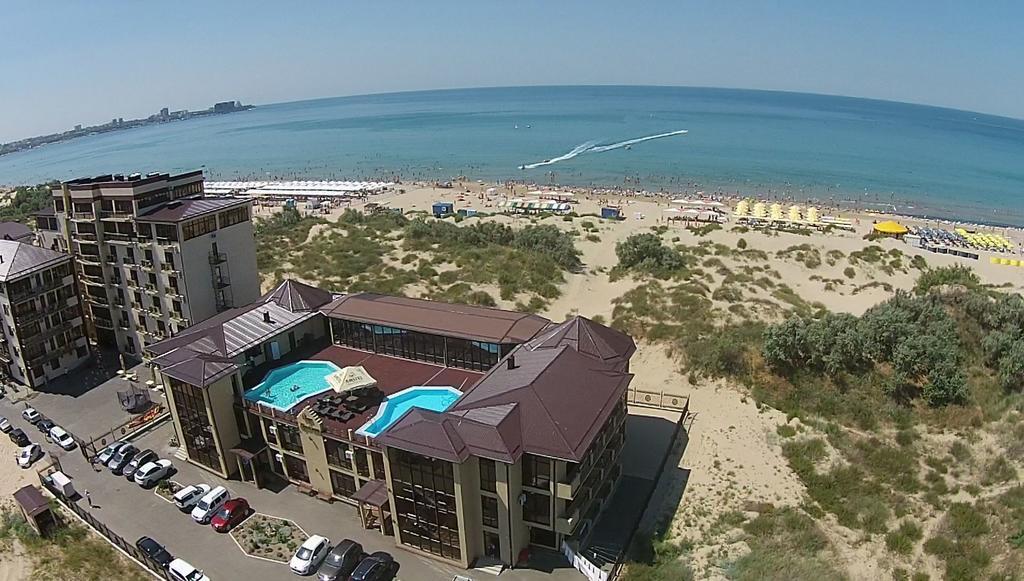 «Белый песок» – отель в Анапе. Первая линия, с бассейном