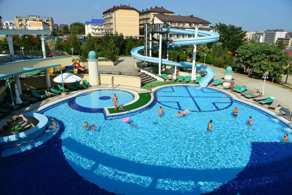 Фото открытого бассейна в «Аквамарине»