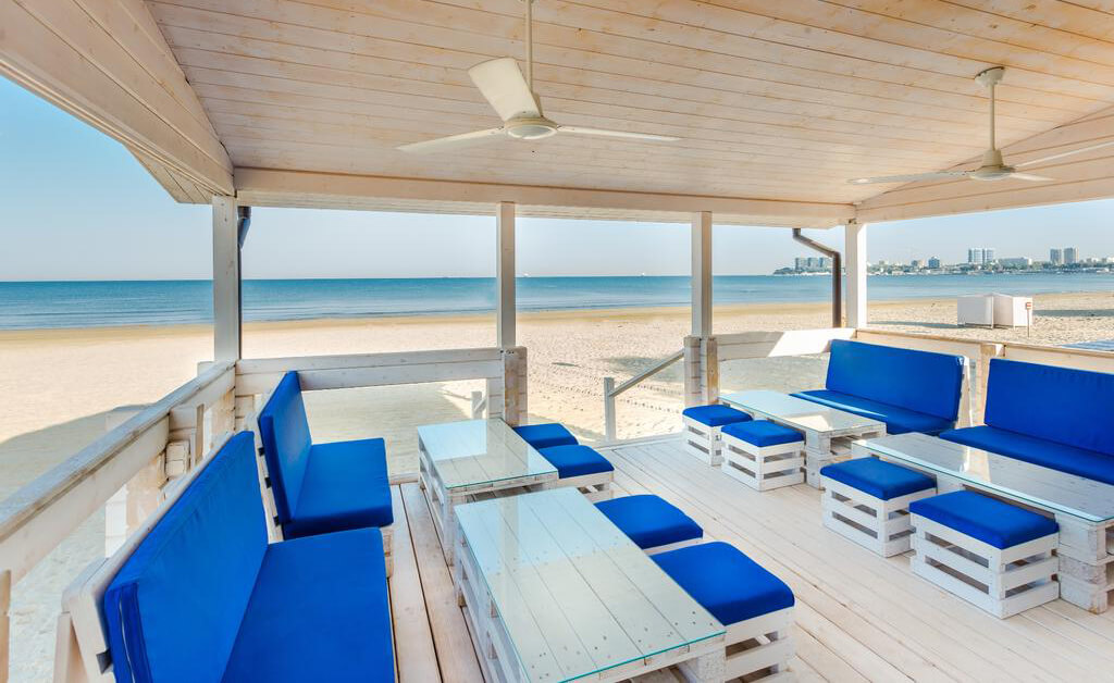 Фото пляжа базы отдыха «Пляжный поселок»