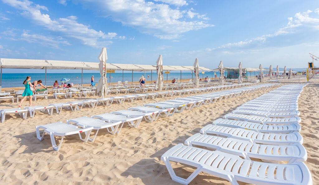 Фото пляжа отеля «Олимп», в Анапе он один из лучших