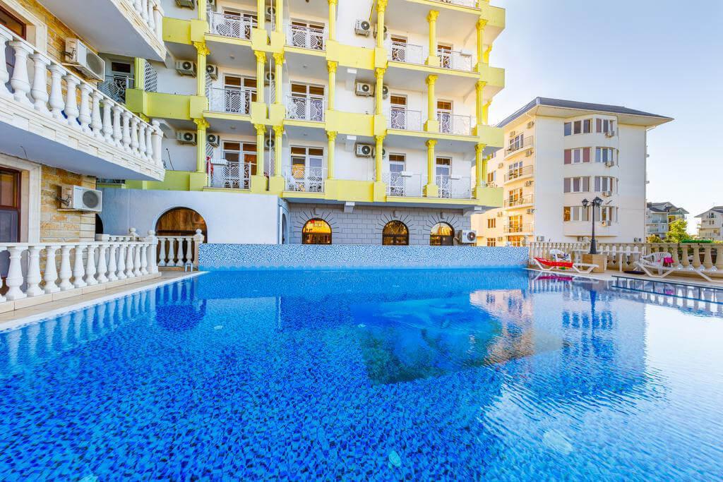 Марракеш Gold - гостиница с теплым бассейном в Витязево