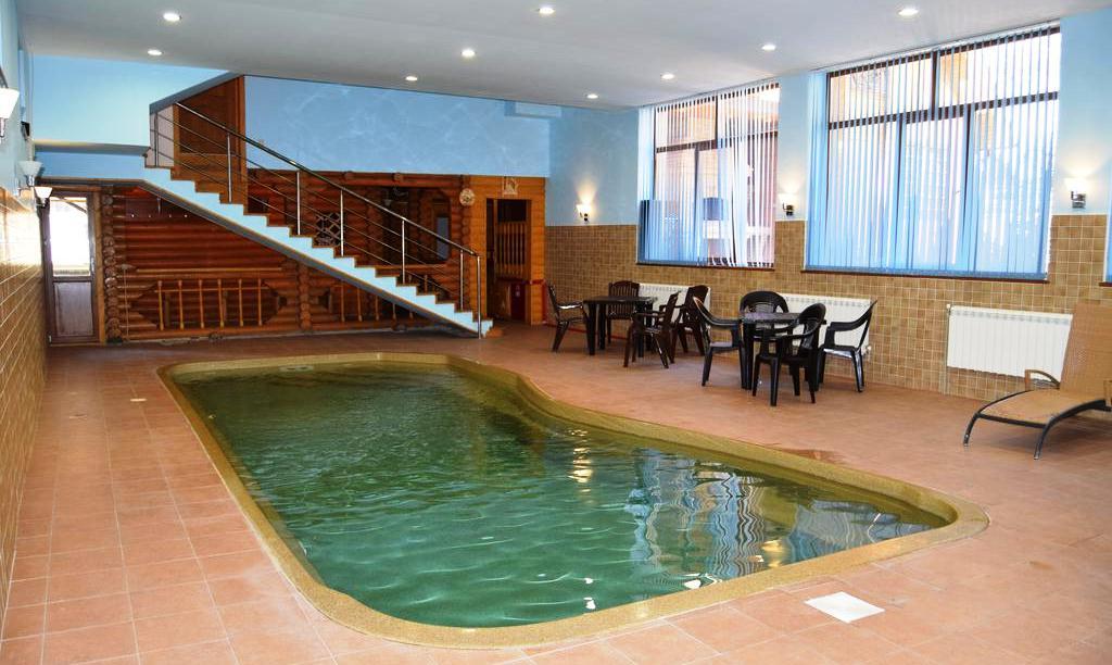 Крытый бассейн в гостевом доме Fairy House в Эсто-Садок (Сочи)