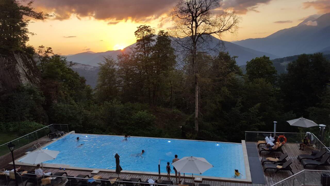 Фото бассейна в отеле Green Flow Hotel (Сочи)