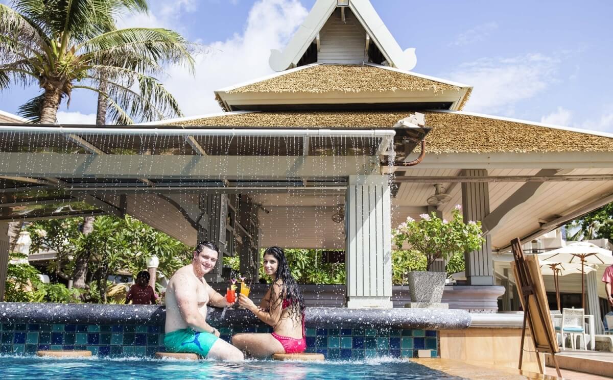 фото бассейна в отеле Beyond Resort Karon