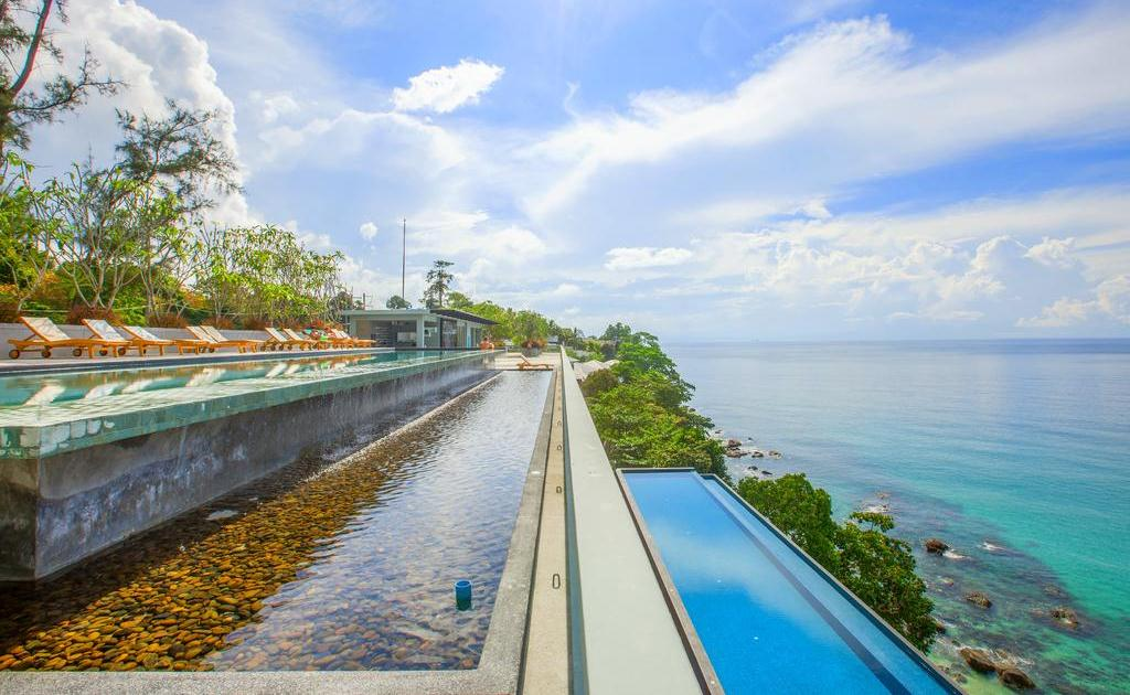 фото отеля Surin Beach Resort