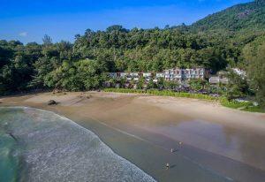 фото собственного пляжа отеля Novotel Phuket Kamala Beach