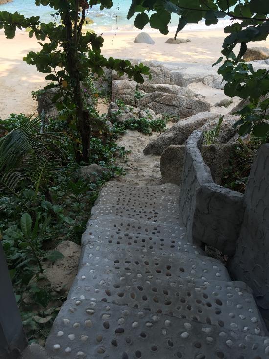 Фото пляжа отеля Surin Beach Resort