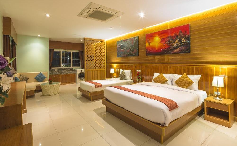 Фото номера в отеле Azure Phuket Hotel
