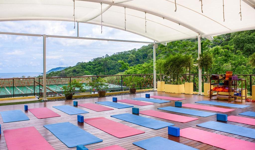 Фото открытой террасы для йоги в отеле CC's Hideaway