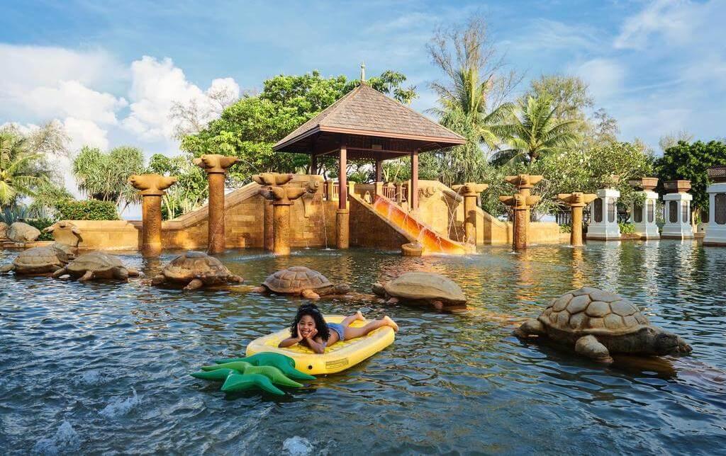 Фото водной горки в бассейне отеля JW Marriott Phuket Resort