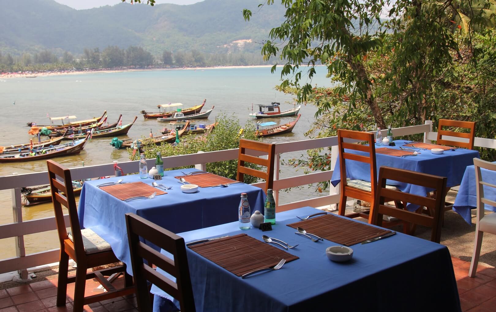 Фото ресторана The Deck на пляже Камала (Пхукет)