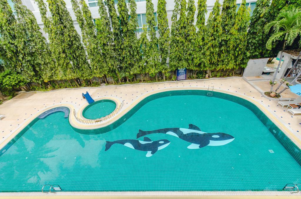Karon Whale Resort - трехзвездочный отель с водной горкой