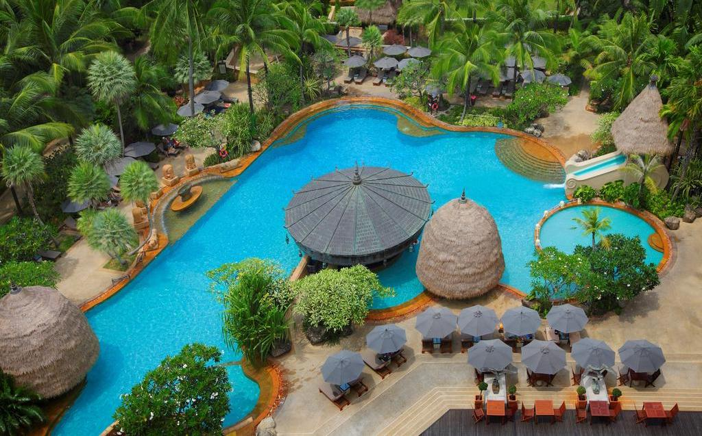 Mövenpick Resort & Spa Karon Beach 5*