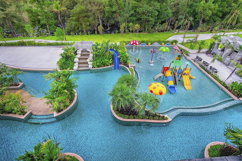 Детский аквапарк в отеле Maikhao Palm Beach Resort на Пхукете