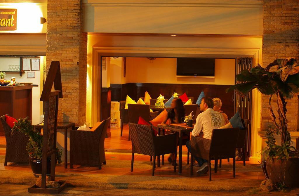Фото ресторана в недорогой гостиницы Palmview Resort на Пхукете